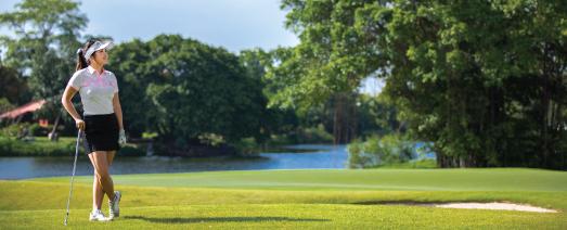 female on thana city golf course
